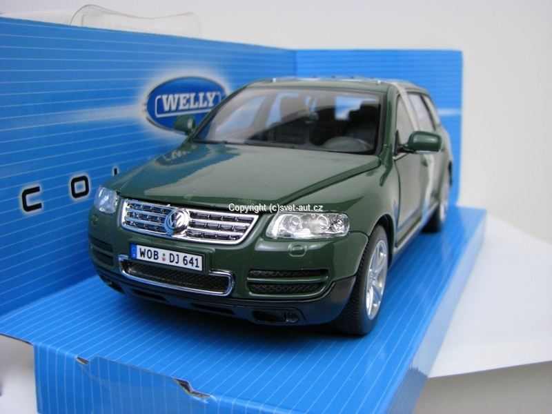 Volkswagen Touareg green 1:24 Welly
