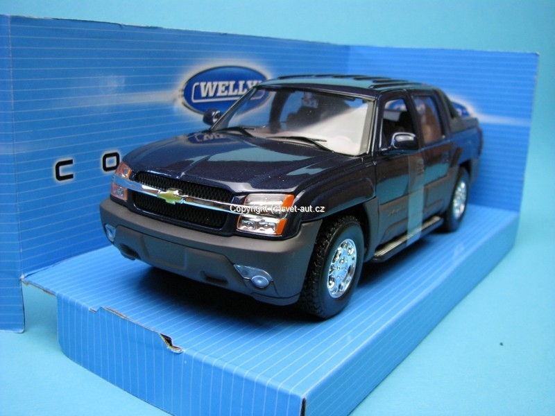Chevrolet Avalanche 2002 blue 1:24 Welly
