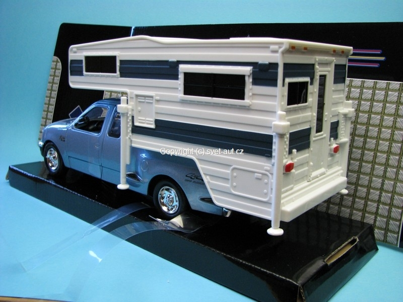 Ford F-150 XLT Flareside Supercab 2001 with Motorhome 1:24 Motor