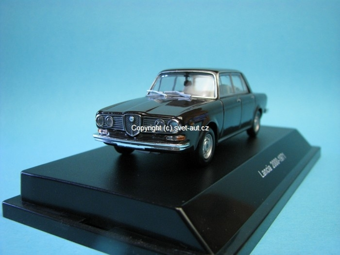 Lancia 2000 Berlina brown parioli 1:43 Starline