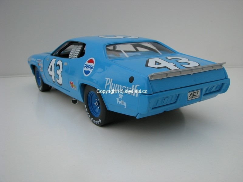 Plymouth Road Runner 1971 1:18 Ertl