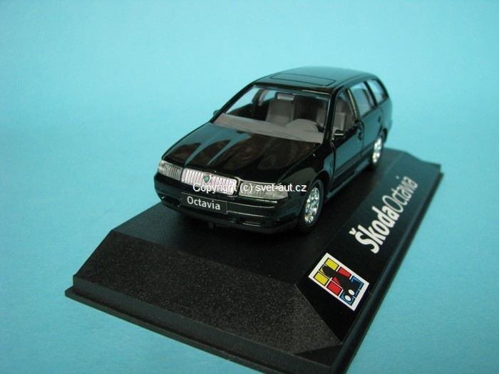 Škoda Octavia Combi Tour green natural 1:43 Kaden