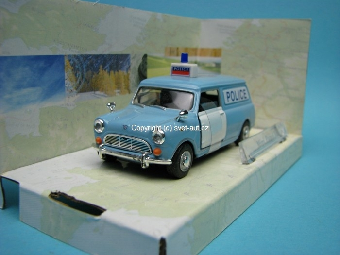 Mini Panel Van Police open door 1:43 Cararama