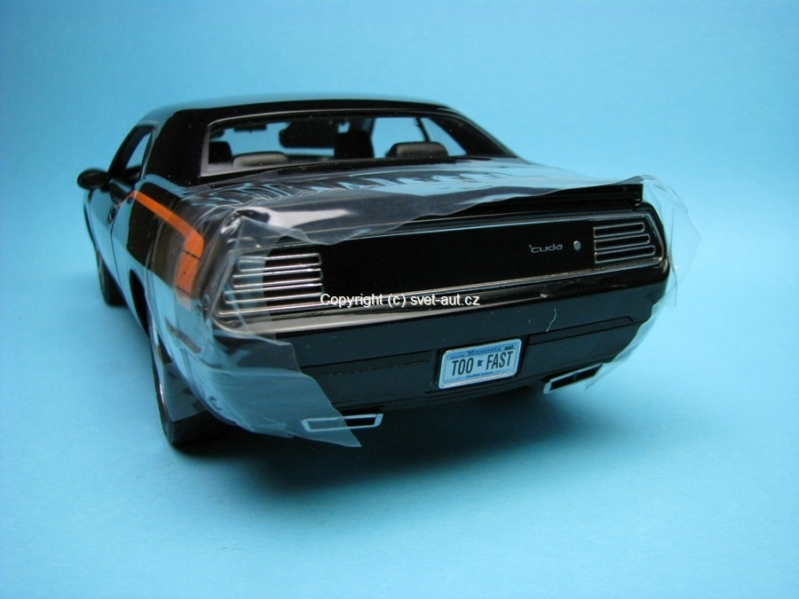 Plymouth Cuda Concept car briliant black Highway 61 1:18 Ertl