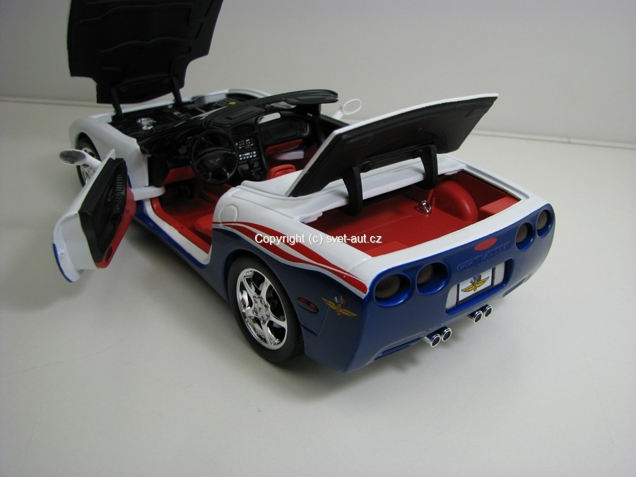 Chevrolet Corvette Indy 500 Pace Car 2004 1:18 Ertl