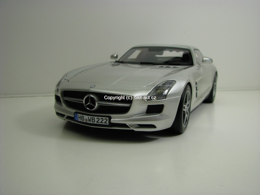 Mercedes-Benz SLS AMG coupe 2010 silver High Quality 1:18 Norev