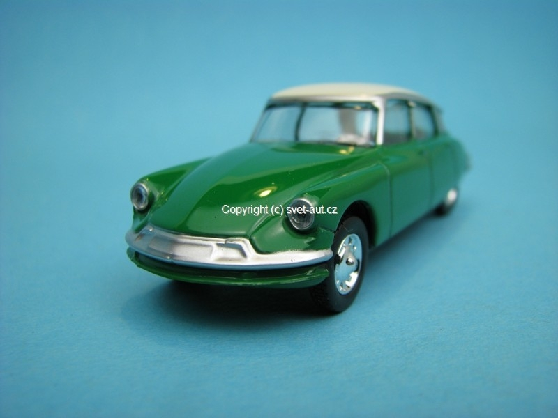 Citroen DS green 1:58 Norev Retro