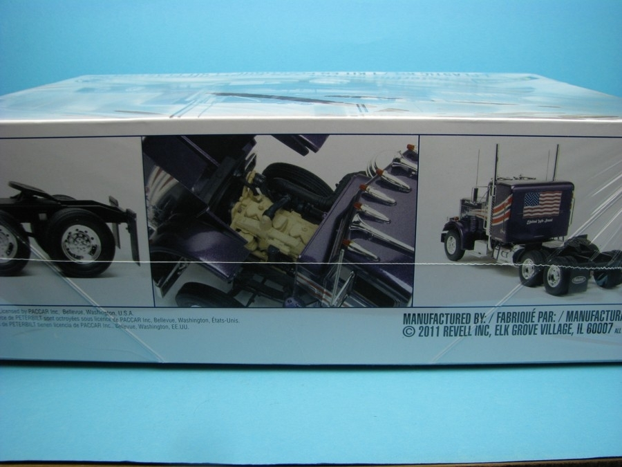 Peterbilt 359 Conventional Tractor Kit 1:25 Revell