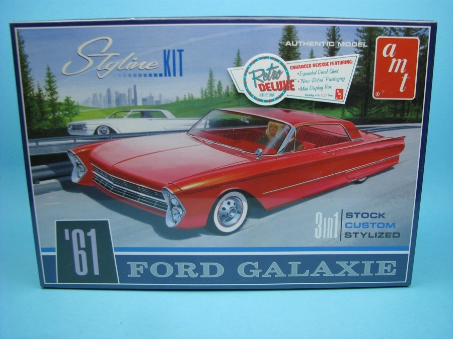 Ford Galaxie 1961 3v1 Kit 1:25 Ertl - AMT