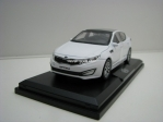 Kia Optima white 1:38 Pino B&D
