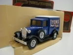 Ford Van Model A 1930 Lyons Tea Matchbox Yesteryear
