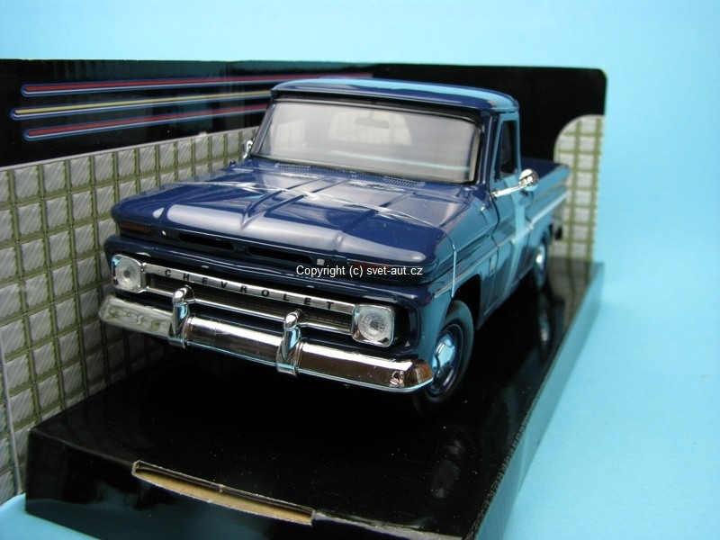 Chevrolet C10 Fleetside Pickup 1966 storm blue 1:24 Motor Max