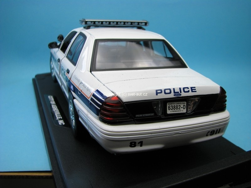 Ford Crown Victoria City of Asheville Police 1:18 Motor Max