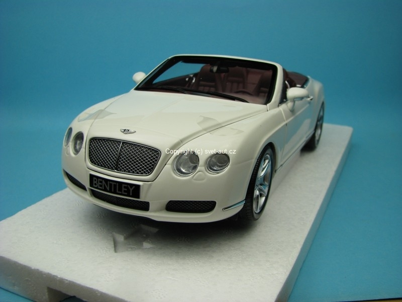 Bentley Continental GTC 2006 white
