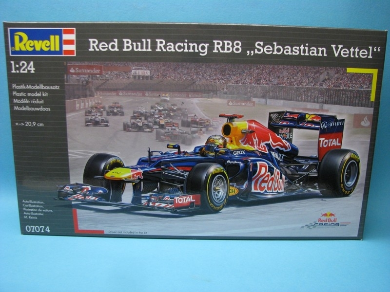 Red Bull Racing RB8 Sebastian Vettel 1:24 Revell