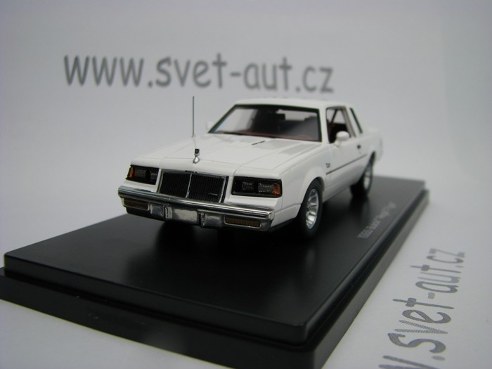 Buick Regal T-Type 1986 White 1:43 Ertl - Auto World