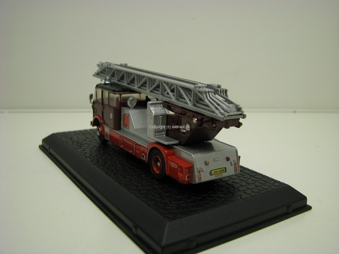AEC Mercury TL Hasiči Newcastle 1:76 Oxford