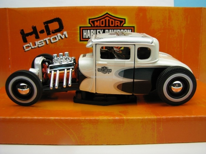 Ford model A 1929 White Pearl Harley-Davidson 1:24 Maisto
