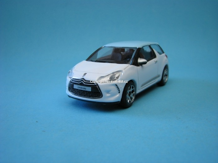 Citroen DS3 white 1:43 Bburago