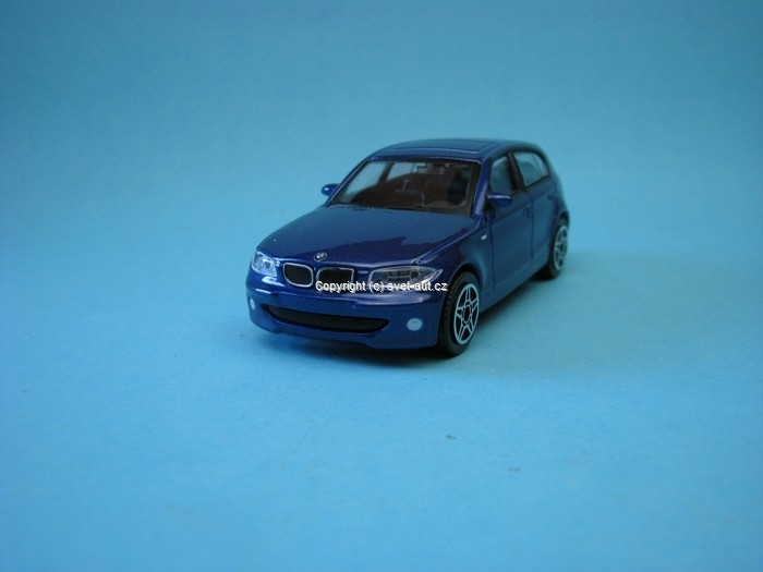 BMW 1 series blue met 1:43 Bburago
