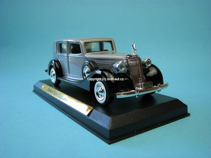 Packard Super Eight  sedan 1937 grey black 1:43 Solido