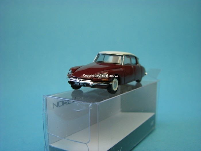 Citroen DS 1972 red 1:87 Norev