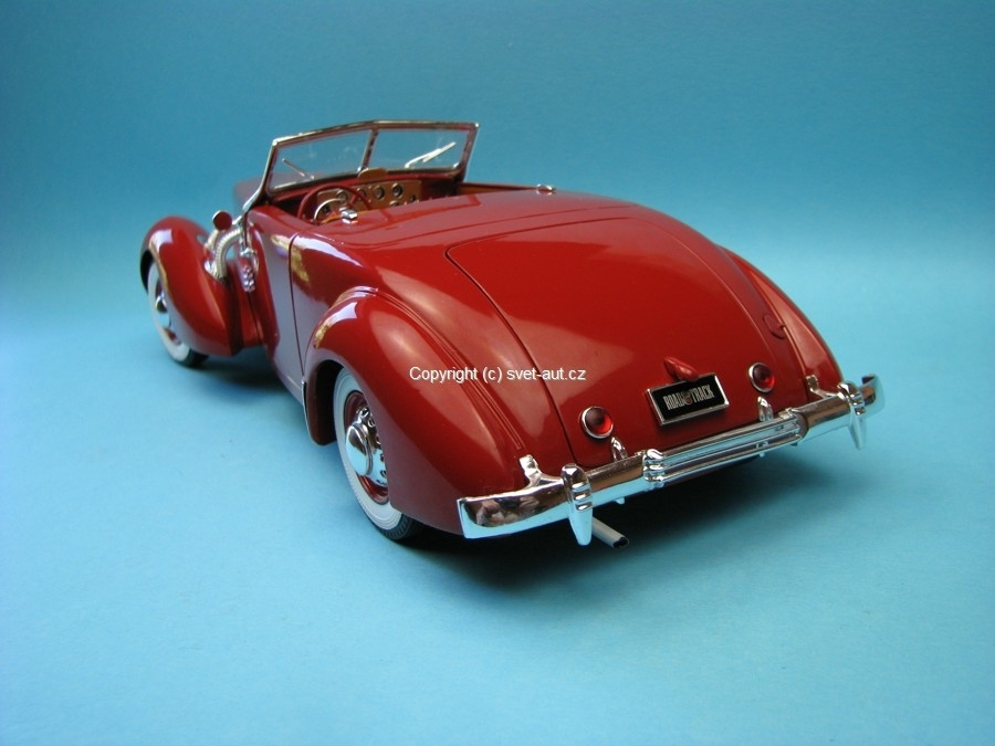Cord 812 Convertible 1937 red 1:18 Ertl