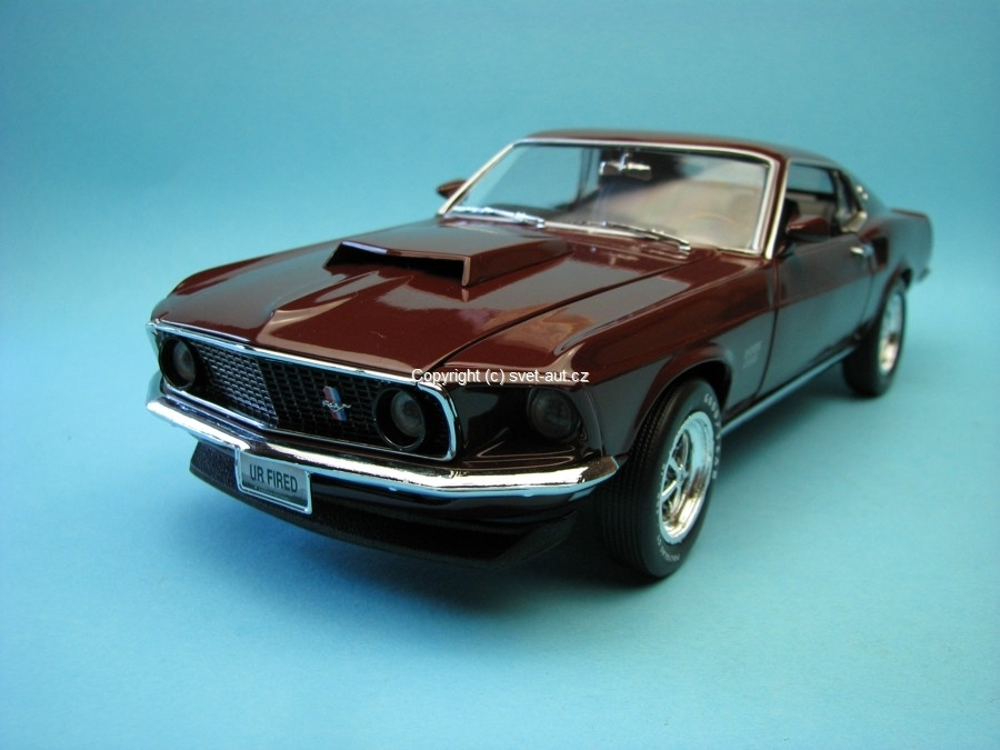 Ford Mustang Boss 429 1969 purple American Muscle 1:18 Ertl - Auto World