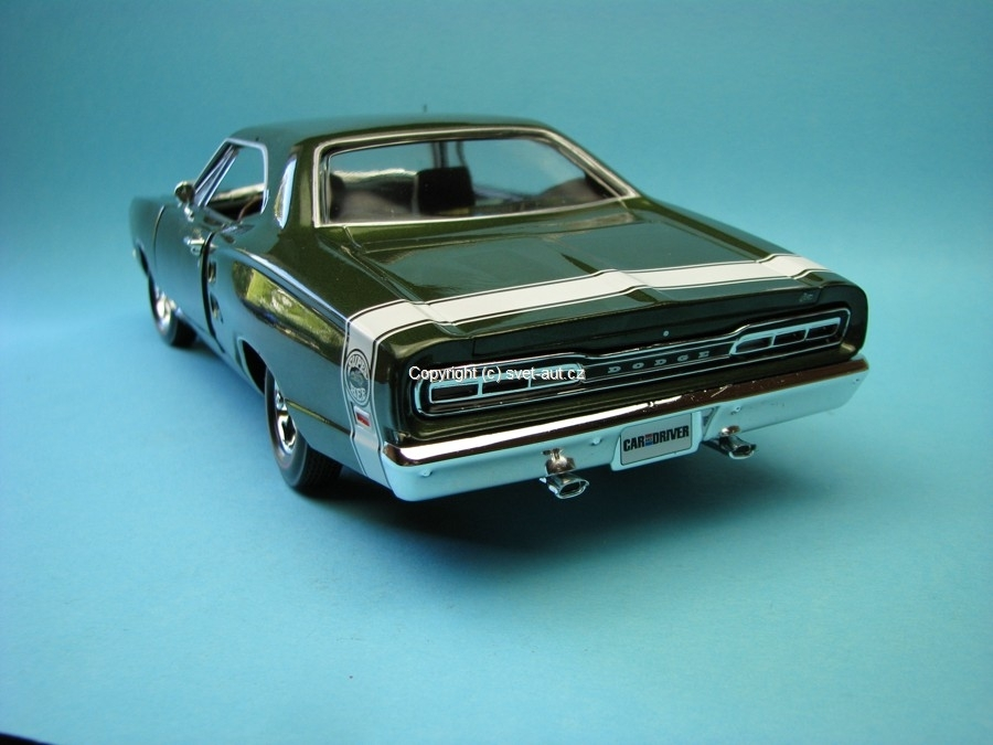 Dodge Charger super Bee 1969 green 1:18 Ertl