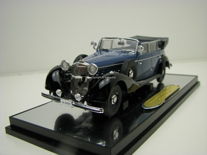Mercedes 770 Offener Tourenwagen Blue/Black 1:43 Signature Models