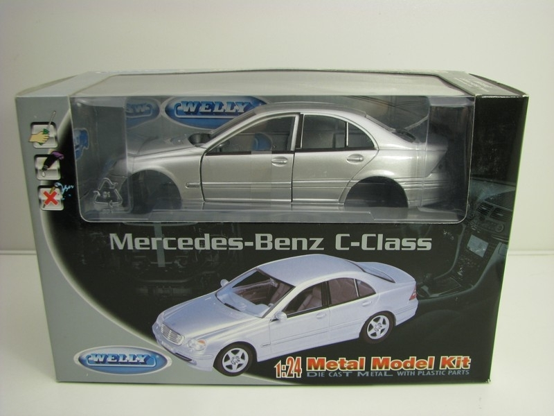 Mercedes-Benz C Class Silver Kit 1:24 Welly