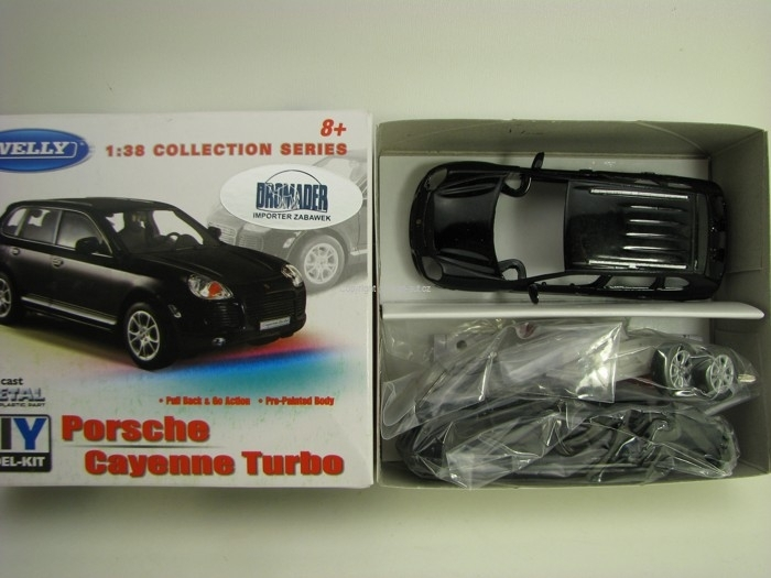 Porsche Cayenne Turbo Black Kit 1:38 Welly