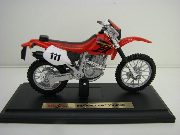 Honda XR400R No.111 Red 1:18 Maisto