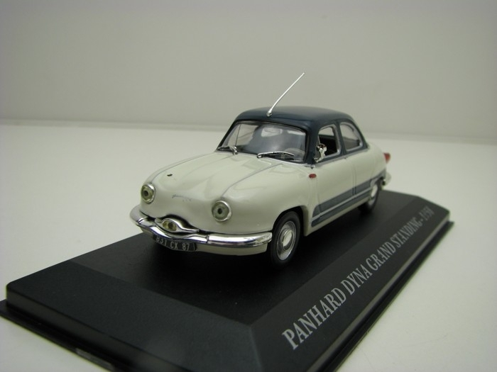 Panhard Dyna Grand Standing 1958 1:43 Altaya