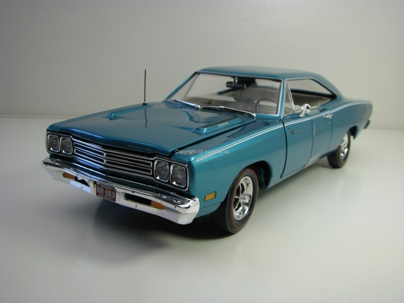 Plymouth Road Runner 1969 American Muscle 1:18 Ertl - Auto World
