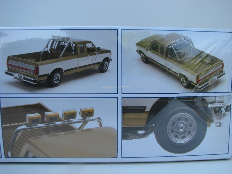 Ford F-250 Super Duty Pick up stavebnice 1:24 Monogram