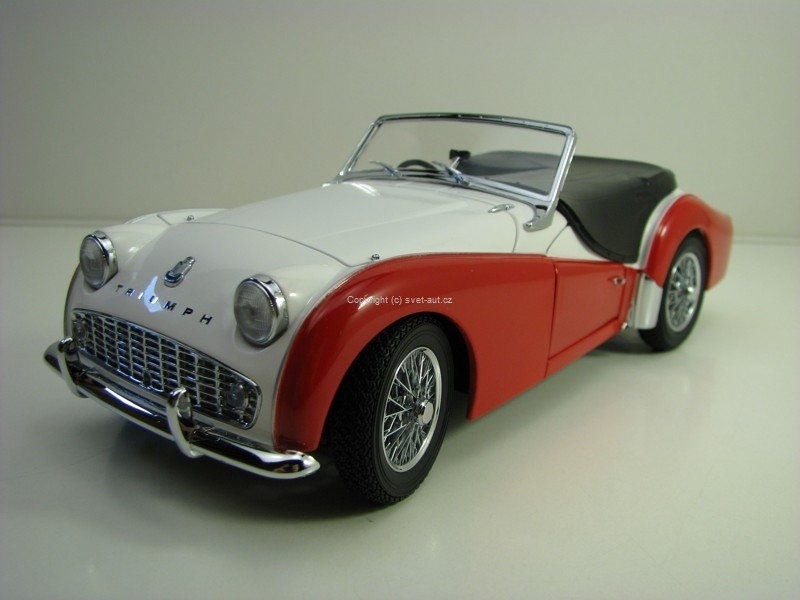 Triumph TR3A White Red 1:18 Kyosho