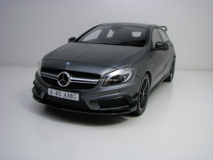 Mercedes-Benz A 45 AMG Grey 1:18 GT Spirit
