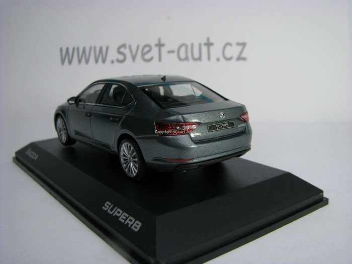 Škoda Superb III Metal Grey 1:43 i Scale