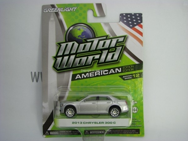 Chrysler 300 C 2013 Silver Motor World 1:64 Greenlight