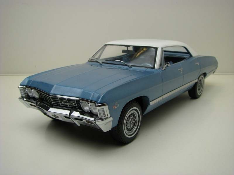 Chevrolet Impala Sport sedan 1967 Blue 1:18 Greenlight