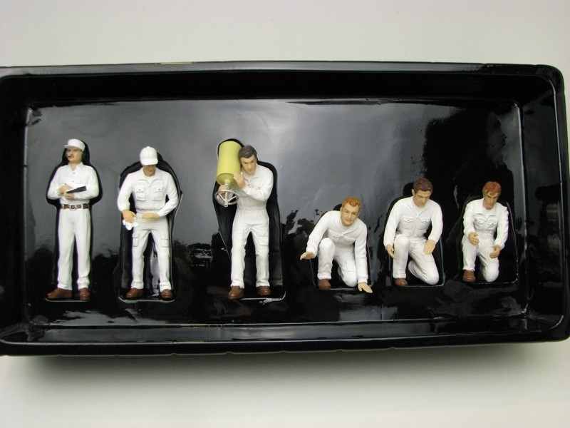 Pit Crew Figurky GP Classic style White 1:18 TSM