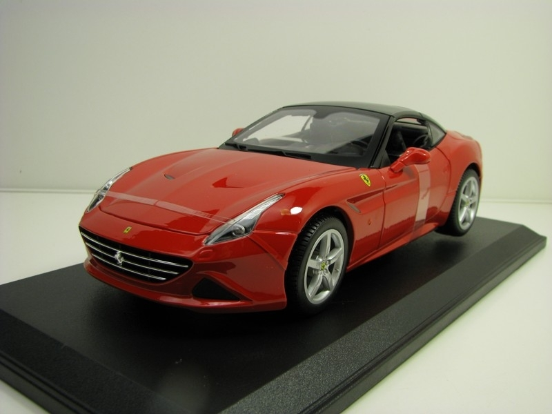 Ferrari California T closed top Red 1:18 Bburago
