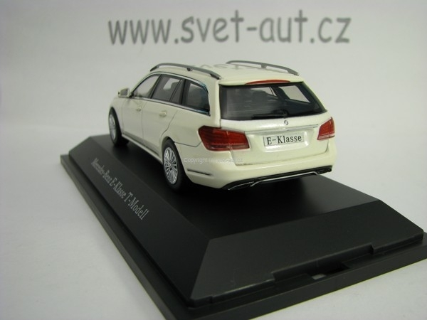 Mercedes-Benz E-Klasse T-Model S212 White 1:43 Kyosho