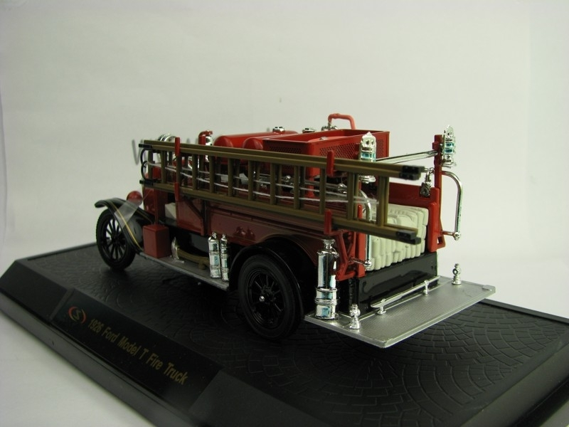 Ford Model T Fire Truck 1926 Detroit 1:32 Signature Models