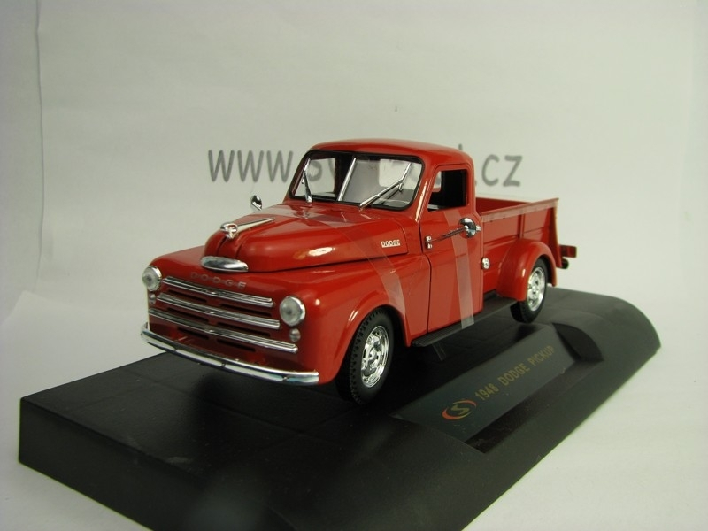 Dodge Pickup 1948 Red 1:32 Signature Models