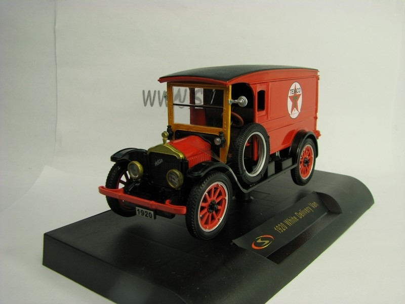 White Deliveri van Texaco 1920 Red 1:32 Signature Models
