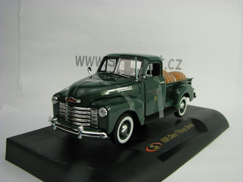 Chevrolet 1950 Pickup Barrels Green 1:32 Signature Models