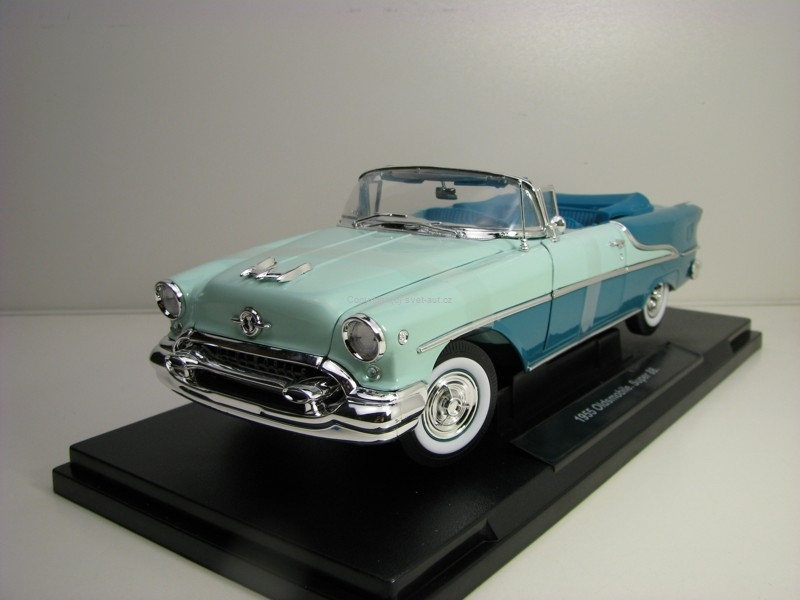 Oldsmobile Super 88 1955 Green 1:18 Welly