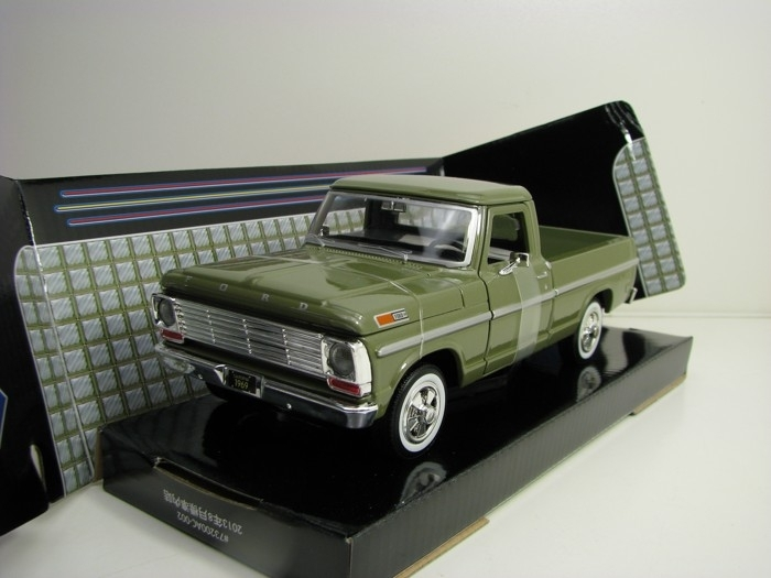 Ford F-100 Pick Up 1969 Green 1:24 Motor Max